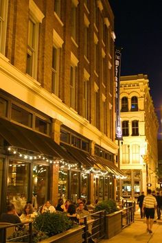 Warehouse District - Cleveland Ohio - (courtesy of travelcleveland.com)