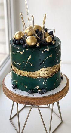 Green Birthday Cakes, Sweet 16 Birthday Cake, Elegant Birthday Cakes, Beautiful Birthday Cakes, Chocolate Birthday Cakes, Birthday Cakes For Men, 19th Birthday, Bolo Glamour, Bicycle Cake