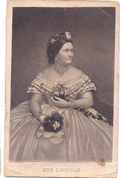 First Lady Mary Todd Lincoln Abraham Lincoln, Lincoln Life, Mary Todd Lincoln, First Lady Of America, Us First Lady, Mystery Of History, Us History, American Civil War, American History