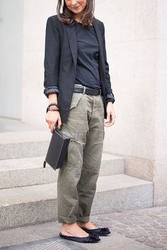 5 Pants Trends We're Suddenly Seeing Everywhere – Women Outfit Ideas High Fashion Trends, Fashion Mode, Look Fashion, Autumn Fashion, Fashion Outfits, Fashion Stores, 50 Fashion, Looks Style, My Style