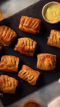 Question: Who does a sausage roll better than Greggs? We know that this is a bold claim but our Classic Sausage Rolls recipe might be the one to challenge Greggs. Sauce Pour Porc, Tastemade Uk, Tastemade Recipes, Latin Food, Iftar, Rolls Recipe, Recipe For Sausage Rolls, Food Videos, Cooking Recipes