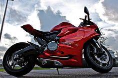 Ducati 899 Panigale - www.facebook.com/GarvsMeanMachine