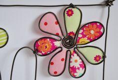 Sculptures Sur Fil, Craft Stalls, Creation Deco, Wire Hangers, Wire Crafts, Hand Stamped Jewelry, New Crafts, Wire Art, String Art