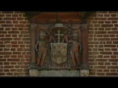 The history of Hampton Court Palace is in fact the tale of two palaces ... a magnificent Tudor palace, developed by Cardinal Wolsey and later made infamous by Henry VIII, alongside an elegant baroque palace built by William III and Mary II nearly 200 years later.     Here, Lucy Worsley, Chief Curator at Historic Royal Palaces, gives an introduct...