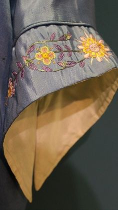 Kurta Designs Women, Kurti Neck Designs, Sleeve Designs, Blouse Designs, Kurti Sleeves Design, Sleeves Designs For Dresses, Kurti Patterns, Designer Blouse Patterns, Party Wear Kurtis