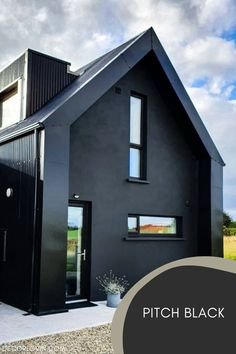 The trendy exterior paint color this season is black! Choose from these curated black paint colors! Best House Colors Exterior, Exterior Paint Color Combinations, Best Exterior Paint, Modern Color Schemes, Exterior Color Schemes, House Paint Exterior, Exterior Paint Colors, Backyard Barn, Black Accent Walls
