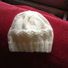 Ravelry: Kellydoolan's Xmas ball hat