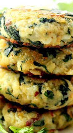 Spinach and Garlic Potato Patties ~ Delicious and flavorful Patties made with a mixture of potatoes, spinach and garlic.