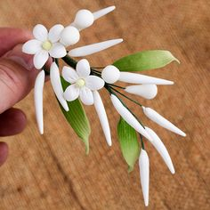 icu ~ Pin on edible flowers ~ Jasmine Fillers are gumpaste sugarflower cake decorations perfect as cake toppers for cake decorating fondant cakes and wedding cakes. Sugar Paste Flowers, Icing Flowers, Fondant Flowers, Edible Flowers, Creative Cake Decorating, Cake Decorating Tools, Cake Decorating Techniques, Bolo Minion, Fondant Flower Tutorial