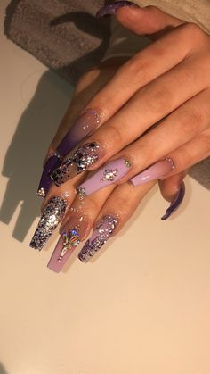 The advantage of the gel is that it allows you to enjoy your French manicure for a long time. There are four different ways to make a French manicure on gel nails. Aycrlic Nails, Bling Nails, Toenails, Coffin Nails, Nail Swag, Nagel Bling, Fire Nails, Best Acrylic Nails, Luxury Nails