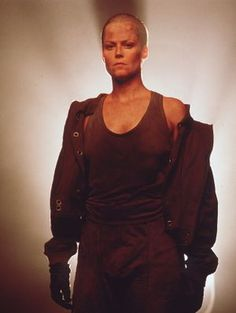 Sigourney Weaver looking good even without hair.