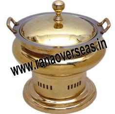 In the current times you can get anything with the click of mouse button. Online stores house just about anything. Visit here:- http://www.imfaceplate.com/Ranaoverseas/buy-brass-chafing-dishes-directly-from-manufacturers