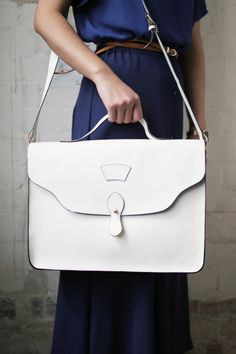 thewhitepepper:    Satchel White Bag <3  Styling and Photography by THE WHITEPEPPER