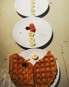 Make the greatest Belgian Waffles in - Learn where to find the best Belgian Waffles and finest biscuits in Brussels! Belgian Waffles, Pac Man, Brussels, Supreme, Breakfast, Food, Belgium Waffles, Morning Coffee, Essen