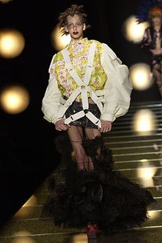Christian Dior Fall 2002 Couture - Collection - Gallery - Style.com