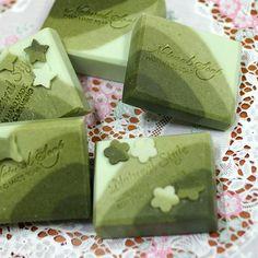 Handmade Soap Holiday Gift, Christmas Gift, Party Favors Chlorella