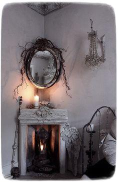 Shabby Chic Home Decor Shabby Chic Mode, Shabby Chic Interiors, Shabby Chic Bedrooms, Shabby Chic Style, Shabby Chic Furniture, Rustic Furniture, Goth Home Decor, Vintage Home Decor, Halloween Fireplace