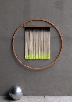 Yarn Wall Art, Yarn Wall Hanging, Diy Wall Art, Hanging Art, Diy Wall Decor, Modern Wall Art, Diy Art, Wall Hangings, Art Decor