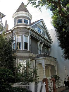 2561 Washington Street, San Francisco, CA Built in Victorian Architecture, Architecture Design, Beautiful Buildings, Beautiful Homes, Art Nouveau, Victorian Style Homes, Washington Street, Second Empire, Exterior Colors