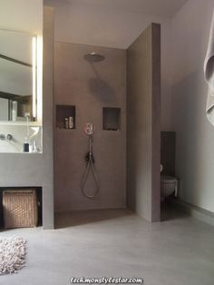 Warum eine Dusche cooler ist als eine Badewanne Why a shower cooler is as a bath Bathroom Renos, Grey Bathrooms, Bathroom Layout, Beautiful Bathrooms, Bathroom Interior, Small Bathroom, Master Bathroom, Master Baths, Shower Bathroom