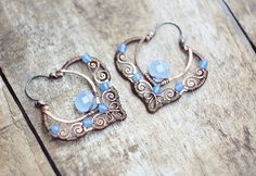 Wire wrapped copper earrings with blue quartz - filigree oxidized antiqued hammered - Wire Wrapped Earrings, Copper Earrings, Copper Jewelry, Wire Jewelry, Beaded Earrings, Jewelry Crafts, Earrings Handmade, Beaded Jewelry, Copper Wire
