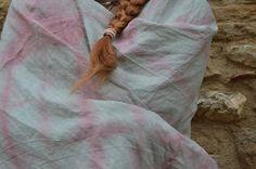 Chal de algodón teñido a mano