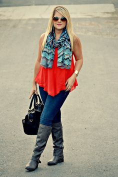 Blogger Danielle of Envision Pretty in a chic summer to fall Deb Shops  look!