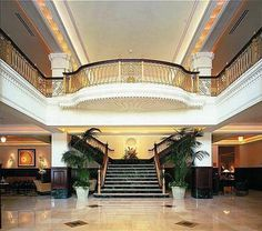 Stephen F Austin hotel - A historic luxury full service hotel only one block from the famous St. Top 10 Hotels, Best Hotels, Austin 6th Street, Austin Activities, Mckinney Falls State Park, Living In A Hotel, Texas State Capitol, Austin Hotels, Around The Worlds