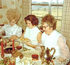 """Auntie Marjorie just could not contain herself any longer. """"Midges hair looks like a wet Q-tip!"""" She blurted out. Retro Pictures, Old Pictures, Old Photos, Vintage Party, Vintage Love, Retro Vintage, Vintage Thanksgiving, Vintage Christmas, Vintage Magazine"""