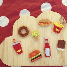 Junk food! #pinsbrodes #pointdefestonkibrille #jairessortilesaiguilles #embellirdesembellissements #mondiyamoi