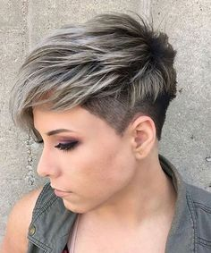 New and Different Short Hairstyles for Women to Consider This Summer | Hairstyles Charm Very Short Pixie Cuts, Short Layered Haircuts, Long Pixie, Choppy Haircuts, Very Short Hair, Thin Hair Cuts, Straight Hair, Pixie Hairstyles, French Hairstyles