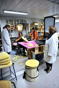 Valérie, Sylvie, Evelyne et Laura à l'atelier de tapisserie.