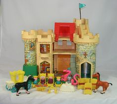 Castle | 22 Awesome Fisher-Price Little People Playsets You Wish You Still Had