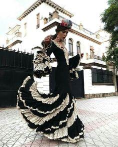 rocio0sorno Sexy Dresses, Cute Dresses, Dress Outfits, Spanish Fashion, Spanish Style, Flamenco Costume, Flamenco Dresses, Brand Icon, Boho Chic