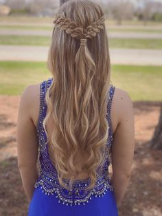 Prom hair It's a four strand braid, formal half up half down look for prom, school dances o. Grad Hairstyles, Long Face Hairstyles, Dance Hairstyles, Homecoming Hairstyles, My Hairstyle, Trendy Hairstyles, Children Hairstyles, Short Haircuts, Formal Hairstyles Down
