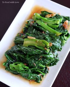 To Food with Love: Quick and Easy: Gai Lan (Chinese Broccoli) with Oyster Sauce Chinese Broccoli Recipe, Broccoli Recipes, Vegetable Recipes, Vegetarian Recipes, Cooking Recipes, Healthy Recipes, Chinese Vegetables, Greens Recipe, Asian Cooking