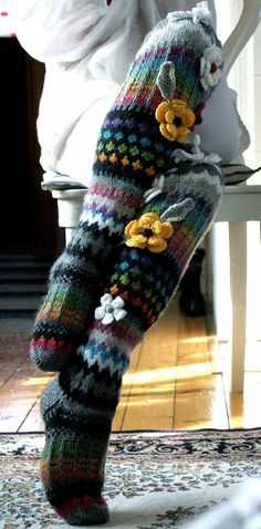 Irish lace, crochet, crochet patterns, clothing and decorations for the house, crocheted. Crochet Socks, Knitting Socks, Knit Crochet, Knit Stockings, Irish Lace, Knee Socks, Irish Crochet, Leg Warmers, Handicraft