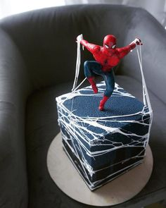 Spiderman Cake Ideas for Little Super Heroes - Novelty Birthday Cakes Crazy Cakes, Fancy Cakes, Cute Cakes, Pink Cakes, Spiderman Birthday Cake, Superhero Cake, Novelty Birthday Cakes, Novelty Cakes, Torte Cake