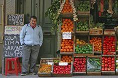 Mercados callejeros que venden frutas y verduras