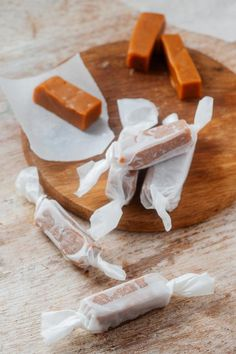 BEST No Bake Keto Candy! Low Carb Keto Caramel Candies Idea – Sugar Free – 3 Ingredient Quick & Easy Ketogenic Diet Recipe – Completely Keto Friendly