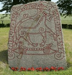 "Tullstorp Rune stone, from Scania (the southern tip of Sweden, but under Danish rule from Viking times up till ""Kleppir and Asa raised this memorial for Ulf. Viking Art, Viking Runes, Viking Woman, Vikings Time, Norse Vikings, Ancient Runes, Ancient Art, Viking Pattern, Viking Designs"