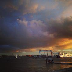#fischbarkiel #fischbar #kiel #igerskiel #sunset #hafencity #haveaniceday Saturday sunsets in Kiel @pipandjays for the photo