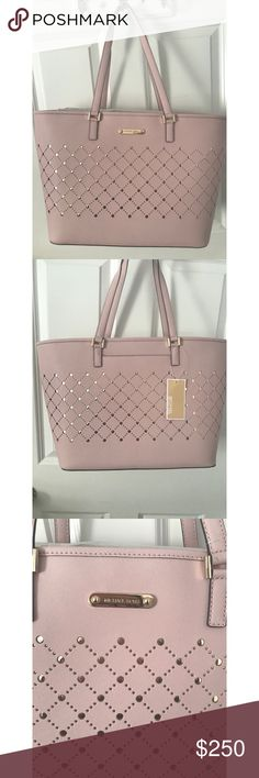 CLOSET CLEAROUT NWT Michael Kors Pink Jet Set Tote Jump into spring with this absolutely STUNNING Michael Kors Light Pink tote bag. Beautiful gold accents   NWT Retail value $348 Make an offer I cant resist! Michael Kors Bags Totes