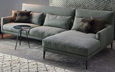 De Paraiso, een ontwerp van Sergio Bicego voor het Italiaanse merk Bonaldo, is een pure, eenvoudige bank met elementair comfort. Deze elegante bank is te verkrijgen in verschillende formaten.