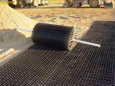 NDS EZ Roll Grass Pavers x – modern landscape design front yard Permeable Driveway, Driveway Edging, Gravel Driveway, Driveway Landscaping, Driveways, Walkways, Paver Edging, Paver Walkway, Cobblestone Driveway