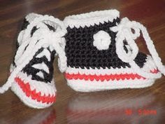Beyond All Measure: Crocheted Converse Tennis Shoes --free crochet pattern