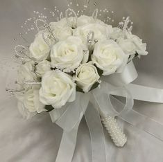 Ivory Wedding Flowers, Ivory Roses, Bridal Flowers, Wedding Bouquets, Beach Wedding Headpieces, Headpiece Wedding, Boutonnieres, Outside Wedding, Brides And Bridesmaids