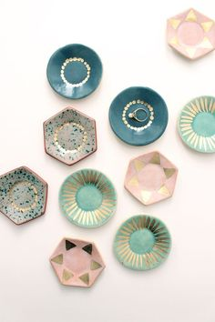 Ceramic Ring Dish - Babasouk - Really creative handpainted ceramic dishes. A collection of these dishes on a table, nightstand or wall would be such a nice addition to a room! Ceramic Pottery, Ceramic Art, Ceramic Plates, Slab Pottery, Keramik Design, Japan Design, Ring Dish, Diy Projects, Clay