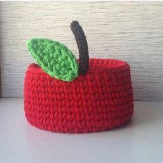 Bom dia!!! Lindeza da manhã . Pic via Pinterest #decor #inspiration #inspiração #cestatrapillo #cestotrapillo #cestofiodemalha #fiosdemalha #trapillo #yarn #crocheteiras #crochet #crocheting #crochetlove #crochetingaddict #croche #yarnlove #yarn #knitting #knit #penyeip #craft #feitoamao #handmade #croche #croché #crochê #croshet #penyeip #вязаниекрючком #uncinetto #かぎ針編み #instagramcrochet #totora