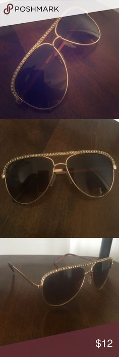 Express aviator sunglasses Express brand aviator sunglasses with gem stones across the top. Never worn, great condition! Express Accessories Sunglasses